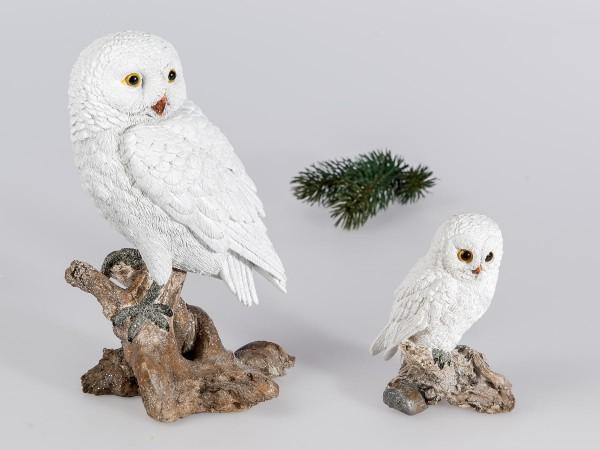 Eule 22cm Winterzeit aus Kunststein mit matter, geeister Oberfläche von Hand gefertigt.