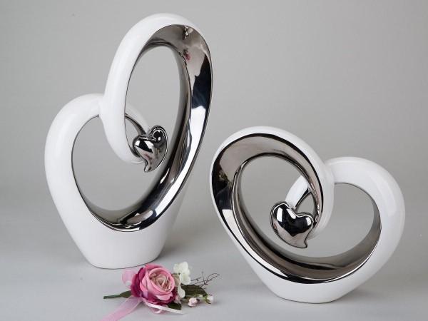 Deko-Herz 27cm weiss-silber modernes Design aus glasiertem Steingut mit kleinem Silber-Herz veredelt