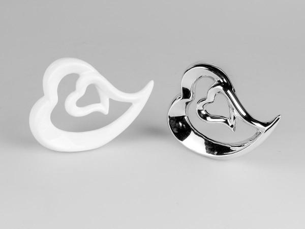 Deko-Herz weiss 12x9cm aus glasiertem Porzellan kunstvoll gestaltet