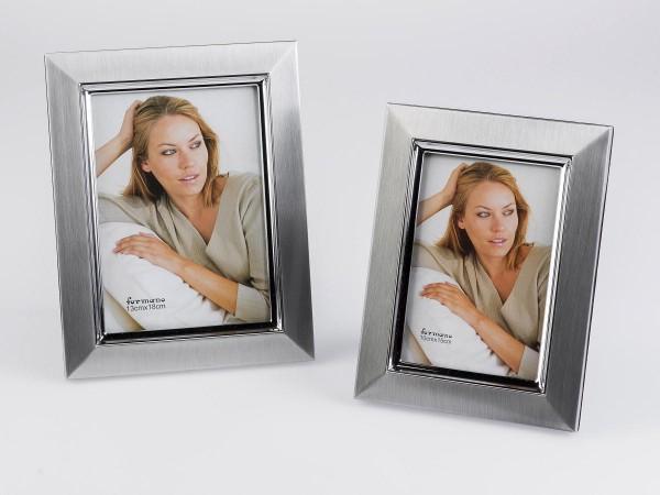 Fotorahmen 13x18cm matt silber gebürstetes Aluminium mit glänzender Innenkante veredelt, zeitloses D
