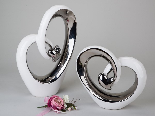 Deko-Herz 37cm weiss-silber modernes Design aus glasiertem Steingut mit kleinem Silber-Herz veredelt