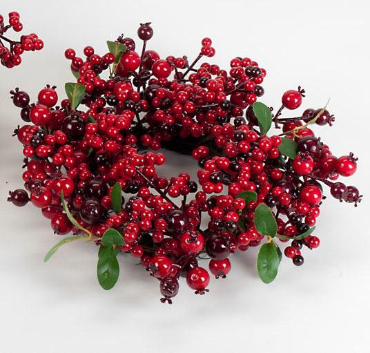 Formano Kranz 35cm Rote Beeren auf Reisiggeflecht