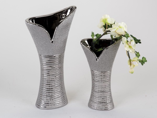 vase 40cm silberstreifen edles design aus steingut mit reliefierter oberfl che matt gl nzend. Black Bedroom Furniture Sets. Home Design Ideas